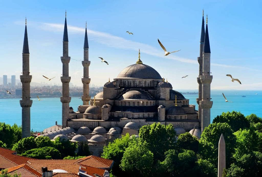 В Турции с 1 апреля 2020 года начнет действовать «налог на проживание» туристов в отелях.