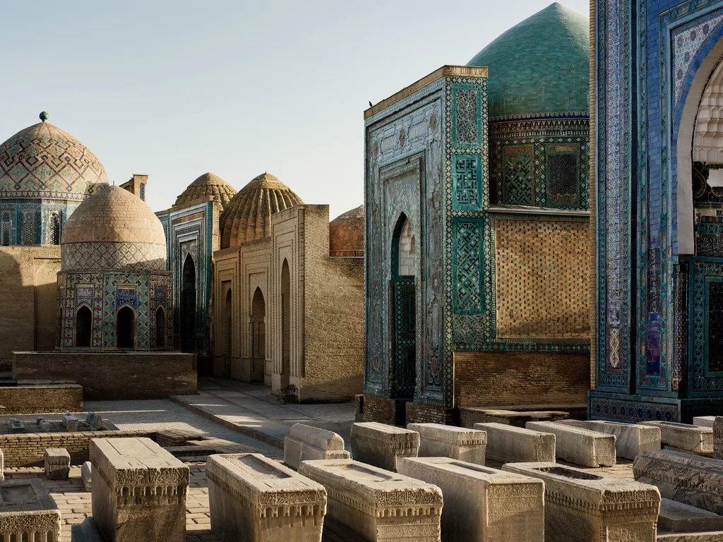 Узбекистан с 1 октября разрешит чартерные рейсы в страну и будет платить за туристов